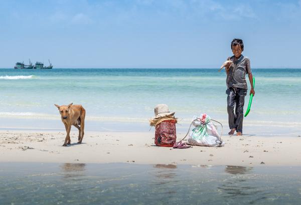 Catching Fish, Prek Svay, Koh Rong, Cambodia